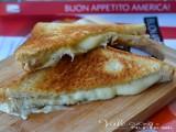 Toast americano al formaggio in padella (cheese sandwich)
