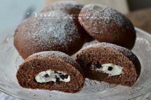 Bombe al cacao al forno con ricotta e gocce di cioccolato