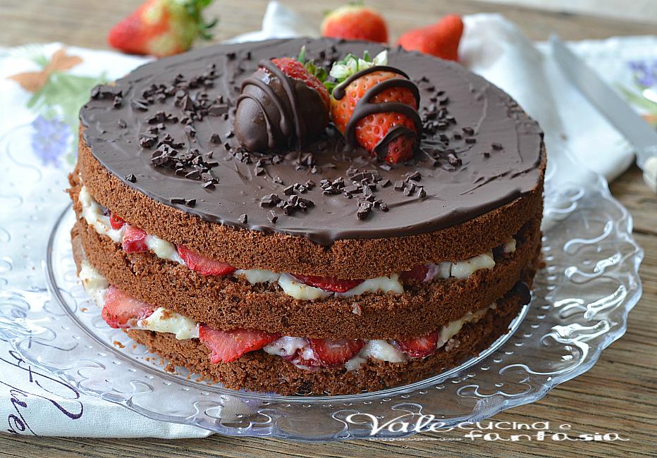 Ricetta torta alla crema di fragole