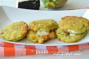 Focaccine di zucchine veloci con tonno e formaggio