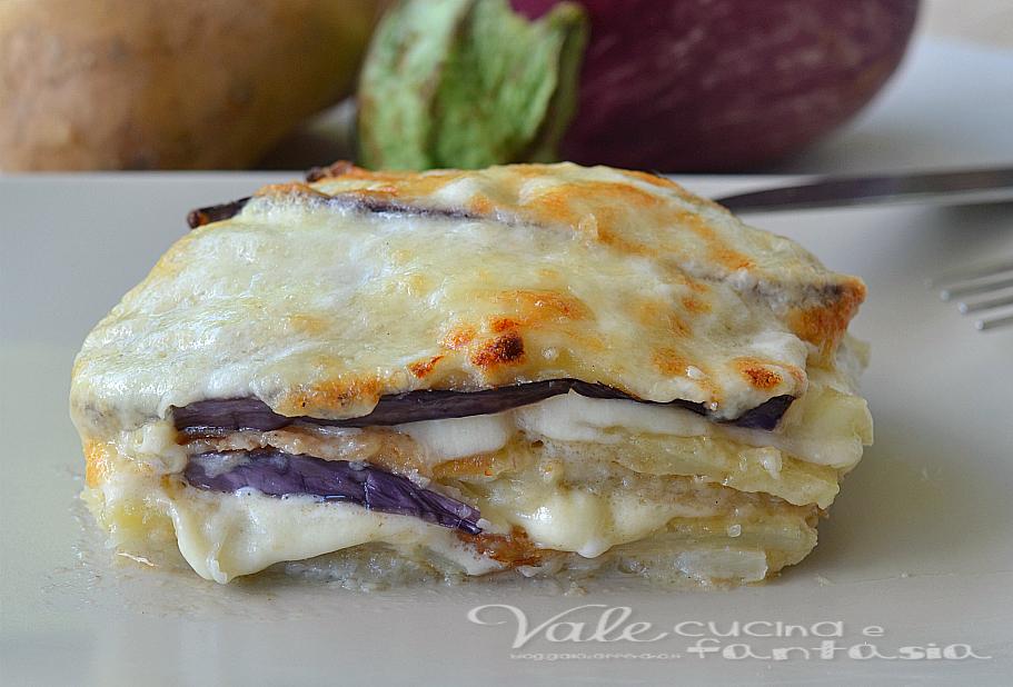 Parmigiana bianca di melanzane patate e mozzarella