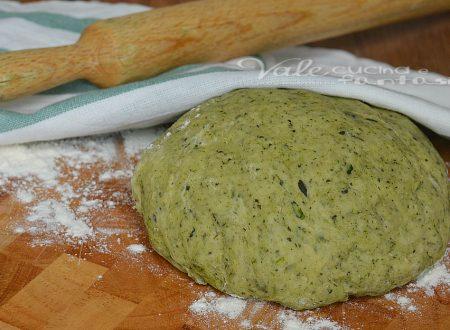 Pasta brisè agli spinaci ricetta base salata