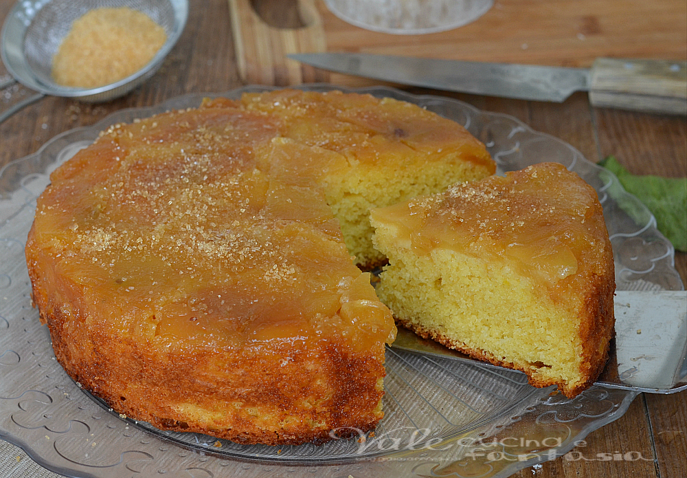 Torta rovesciata con mele e caramello