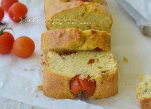 https://blog.giallozafferano.it/valeriaciccotti/plumcake-salato-con-pomodorini-e-pomodori-secchi/