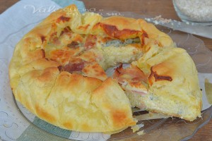 Torta di sfoglia e riso con prosciutto cotto e gorgonzola