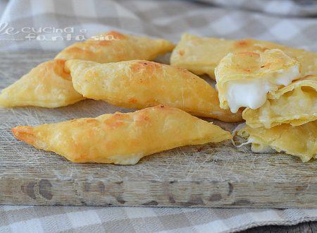 CHIACCHIERE SALATE farcite al formaggio