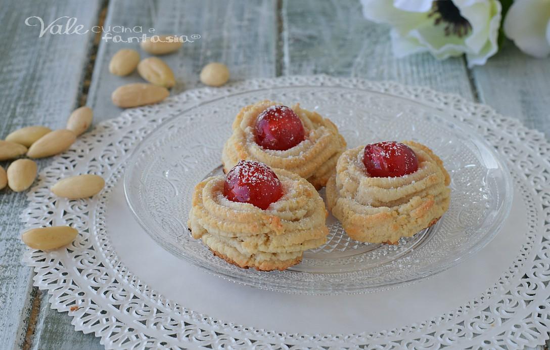 Biscotti Di Pasta Di Mandorle Ricetta Pasticcini Facili