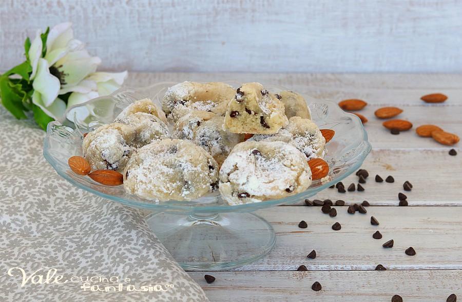 Biscotti Con Mandorle E Cioccolato Dolcetti Morbidi E Veloci