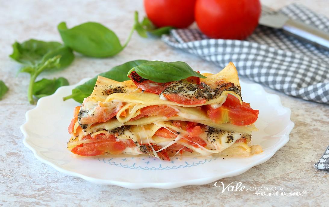 LASAGNE CAPRESE pasta al forno con pomodoro e mozzarella