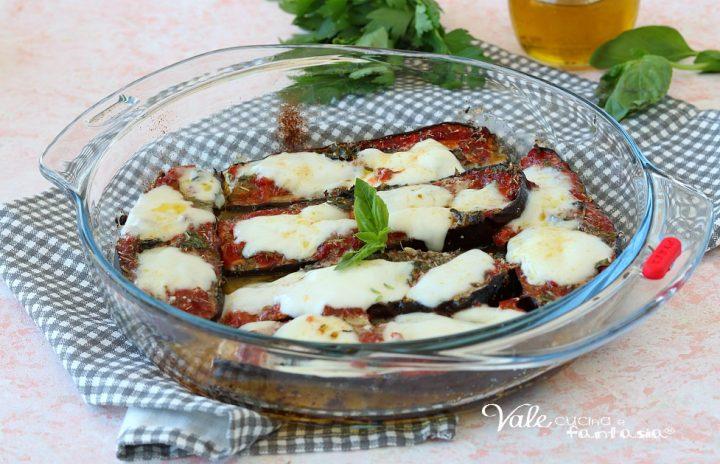 MELANZANE ALLA PIZZAIOLA AL FORNO con mozzarella e parmigiano
