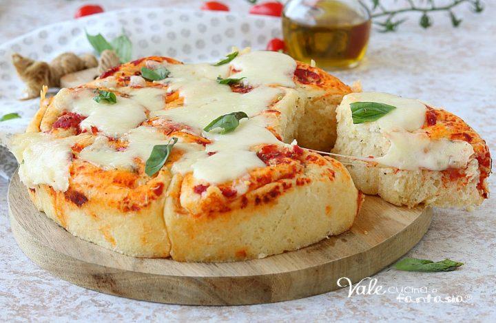 TORTA DI ROSE ALLA PIZZA con impasto fatto a mano