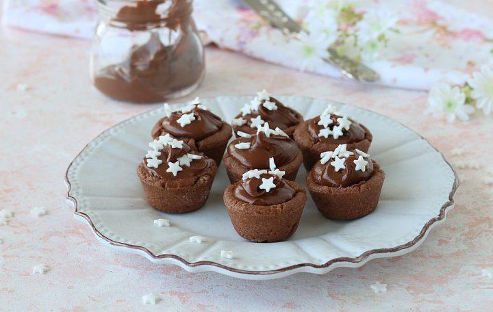 TARTELLETTE PAN DI STELLE crostatine con nutella e pasta frolla al cacao