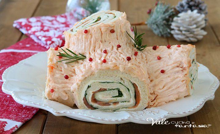 TRONCHETTO CON CREMA AL SALMONE ricetta di Natale