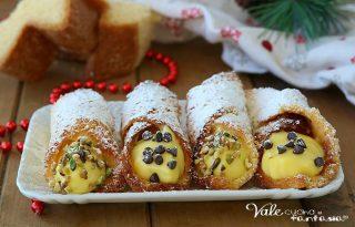 CANNOLI DI PANDORO ALLA CREMA ricetta dolce di Natale