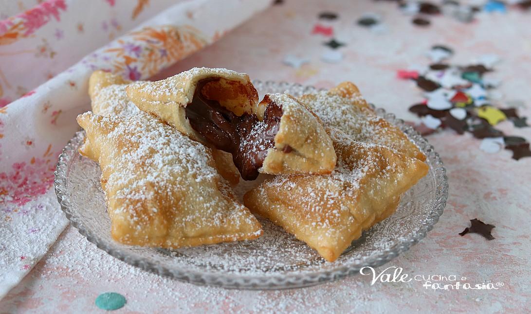 BUGIE CON NUTELLA ricetta di Carnevale veloce