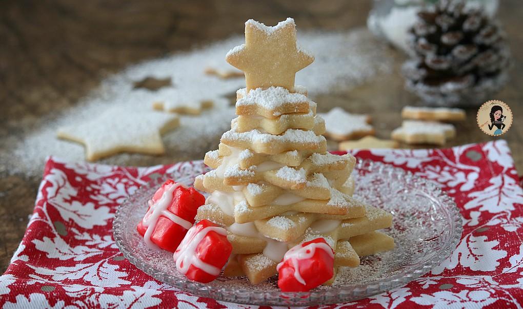 Albero di Natale di biscotti  con glassa