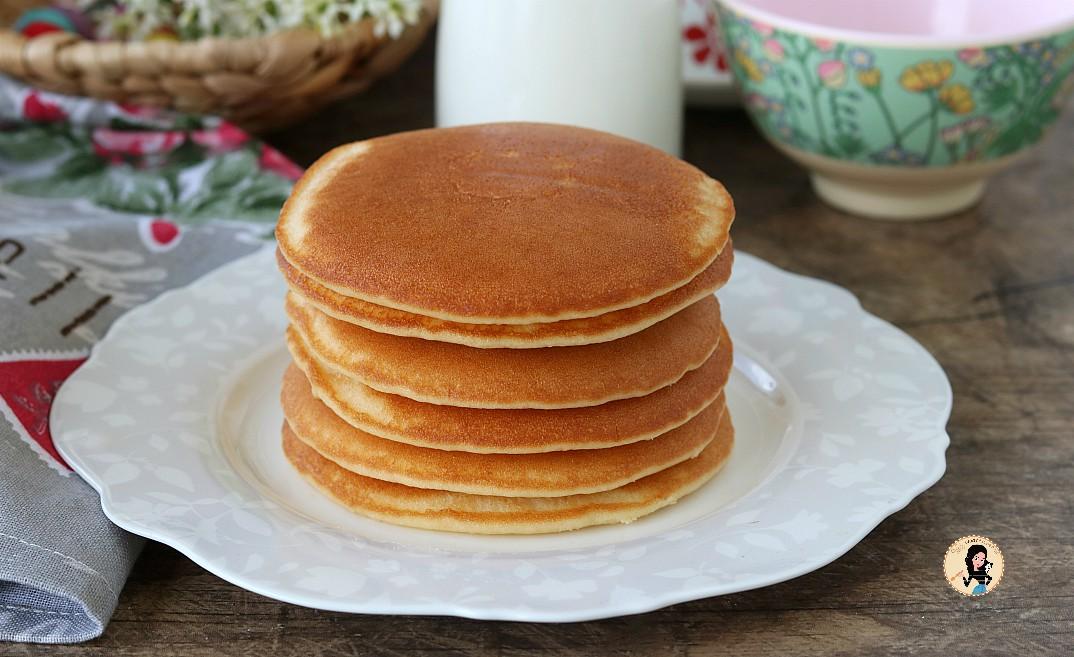 Ricetta Pancake Americani Giallo Zafferano.Pancake Americani Morbidissimi Ricetta Facile E Veloce