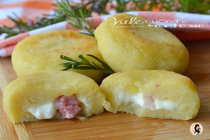 Polpette di patate pancetta e stracchino cotte al forno