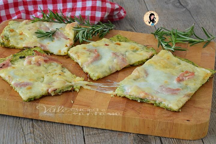 SCHIACCIATA DI ZUCCHINE con prosciutto e formaggio