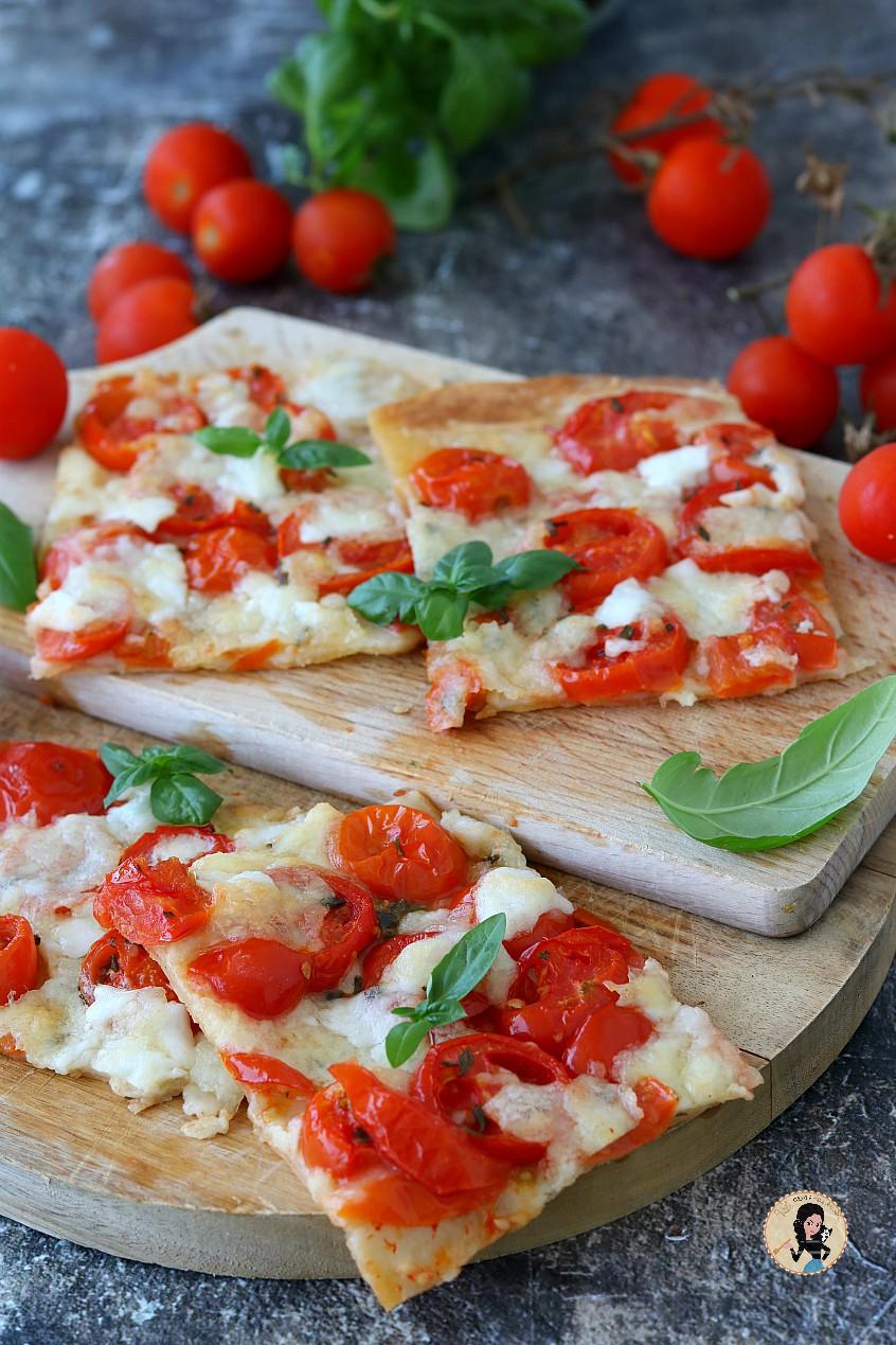 PIZZA BUFALA E POMODORINI ricetta furba