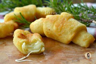 CORNETTI DI PATATE ripieni al formaggio