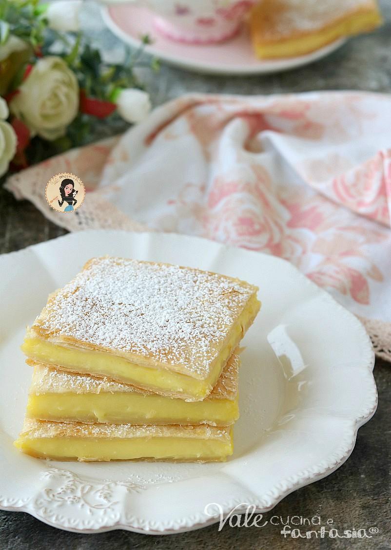 torta scendiletto alla crema torta di sfoglia e crema, scendiletto dolce facile e veloce