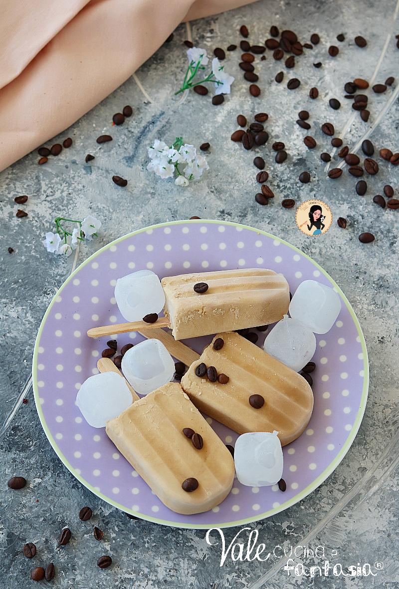 GHIACCIOLI AL CAFFE' e panna fresca