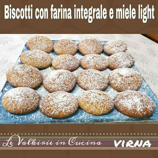 Biscotti con farina integrale e miele, ricetta light di Virna Maffeis