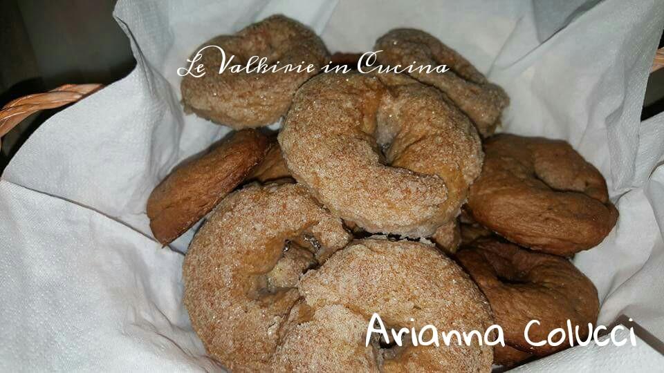 Ciambelline al vino rosso di Arianna Colucci