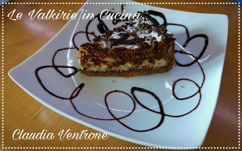 Torta di frolla al cacao con ripieno di ricotta e chicchi di cioccolato fondente di Claudia Ventrone