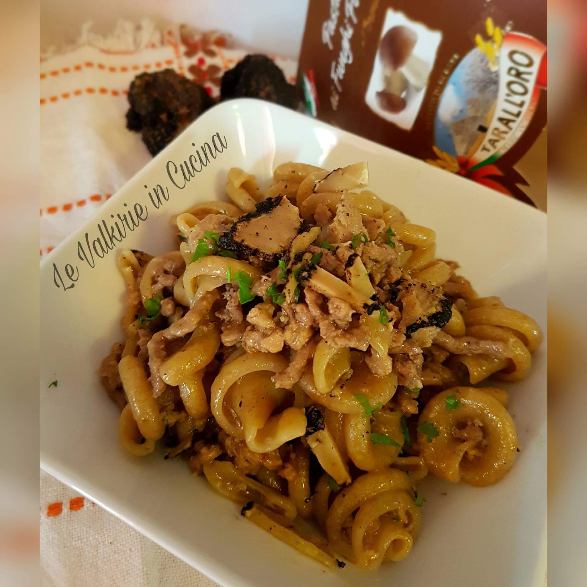 Pasta Girelle ai funghi con carne macinata al tartufo