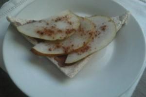 Tartina dolce alla nutella con pere condite