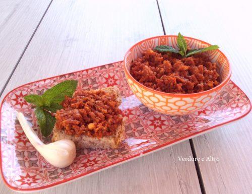 Pesto ai Pomodori Secchi con Mandorle e Menta