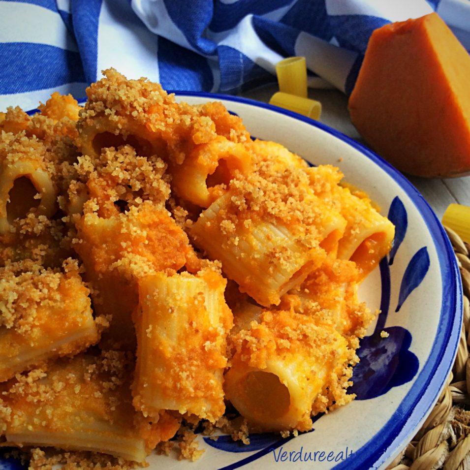Pasta Cremosa alla Zucca con pangrattato croccante