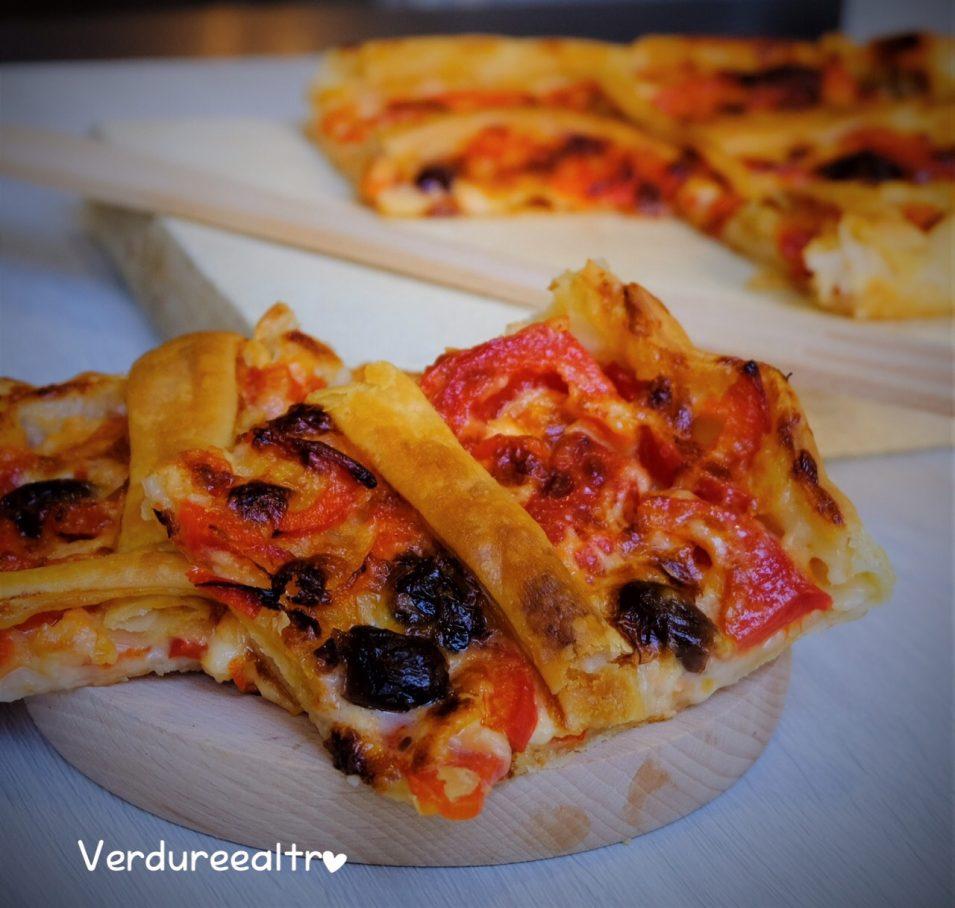 Torta Salata con Peperoni Stracchino e Olive