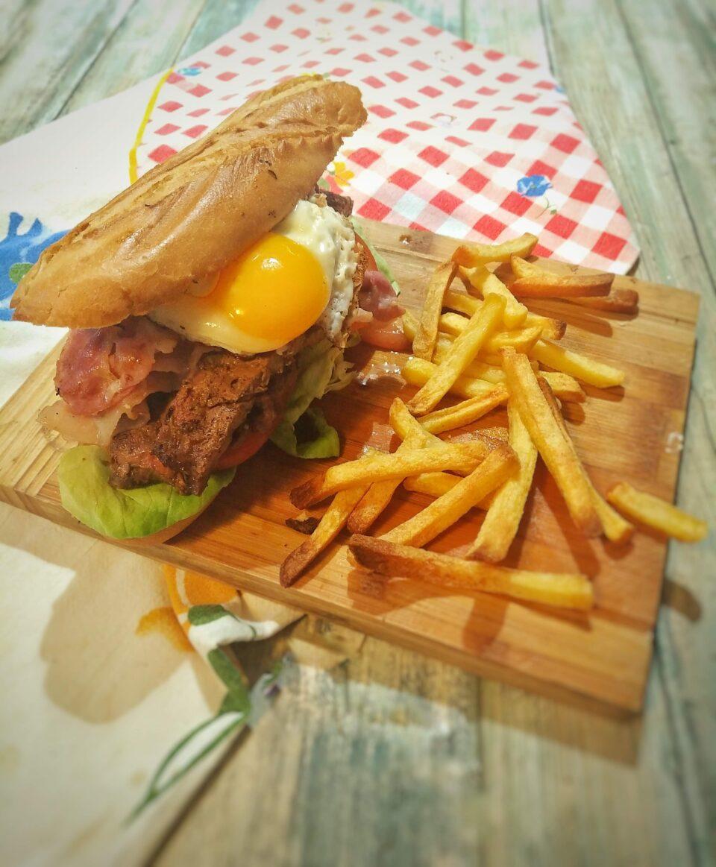 Ricetta Chivito al pan Uruguay ViaggiandoMangiando