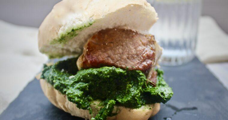 Pork and pūhā sandwich (Nuova Zelanda)