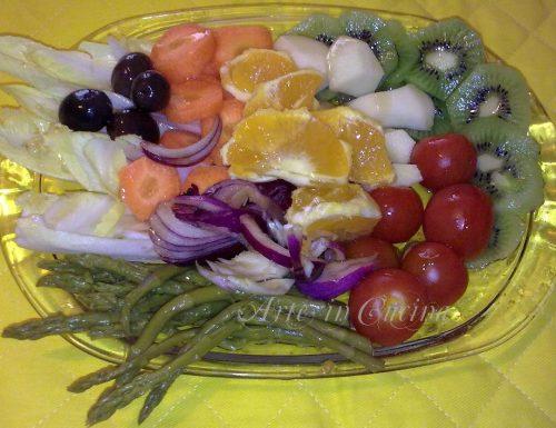 Insalatina colorata con asparagi
