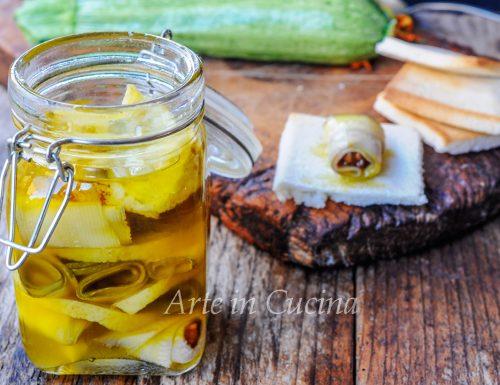 Zucchine e noci sott'olio al limone conserva