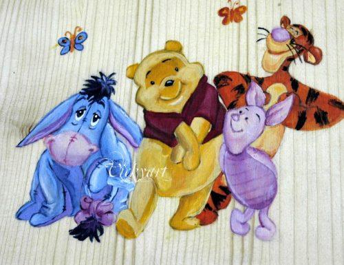 La scatola in legno con whinnie the pooh e i suoi amici