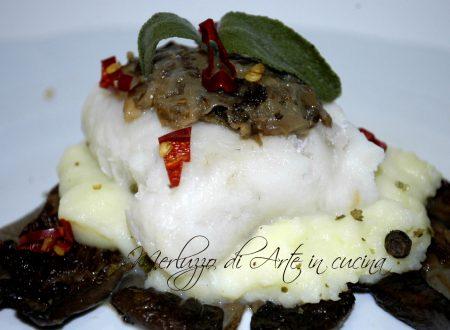 Merluzzo con crema di funghi e patate