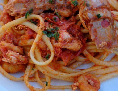Linguine astice, cicale e gamberetti