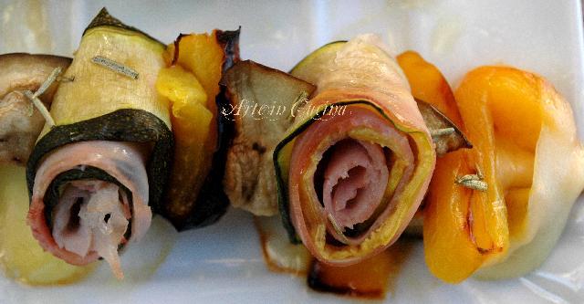 spiedini-verdure-prosciutto-peperoni-1