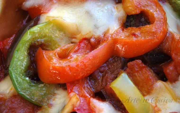 Crostata salata peperoni melanzane e scamorza