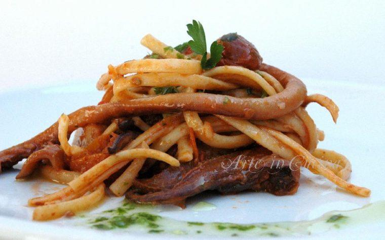 Linguine con seppie e pesto primo piatto di mare