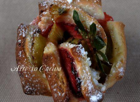 Torta di rose fragole e kiwi