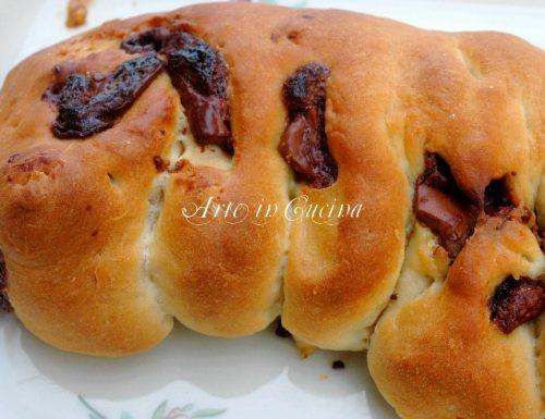 Pan brioche al cioccolato ventaglio con pasta madre