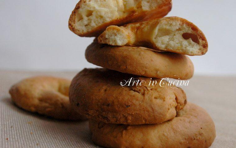Taralli dolci napoletani ricetta facile e veloce.