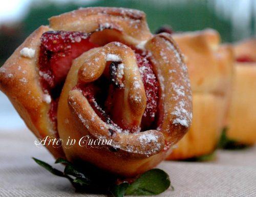 Torta di rose alle fragole e limone ricetta facile