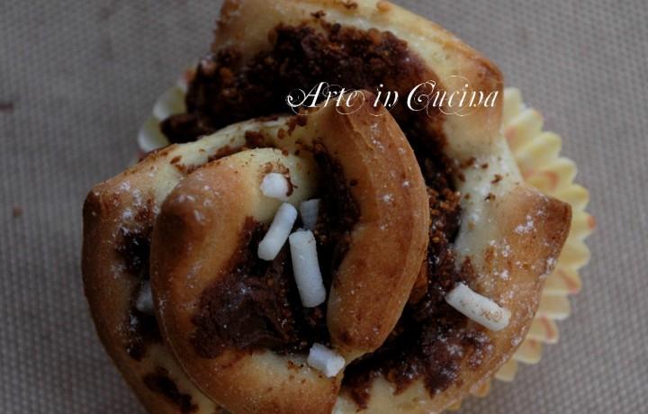 Rose per torta alla nutella e nocciole